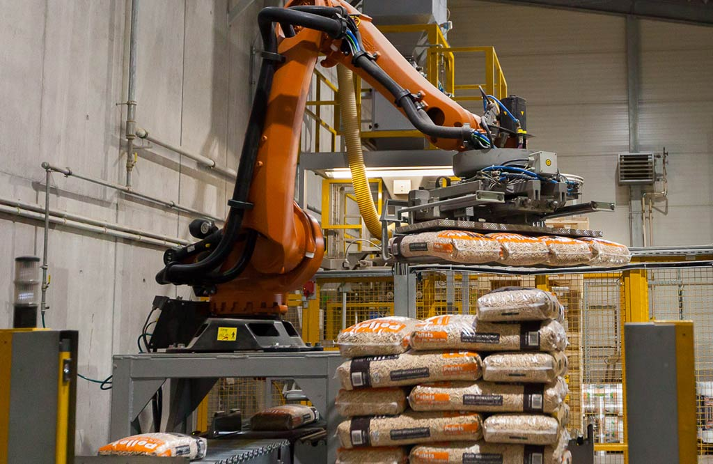 Industrieroboter palettiert Pellets Sackware